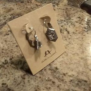 Chloe & Isabel Art Deco Earrings Like New!!
